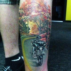tatuajes para hombres en pierna