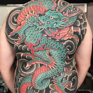 tatuaje japones en la espalda