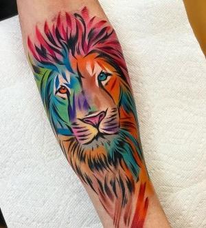 tattoo de leon a color