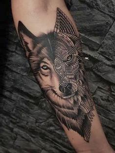 tattoo de lobo negro