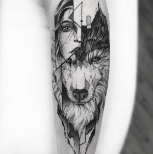 tattoo lobo y mujer