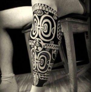 tatuaje maori para hombre