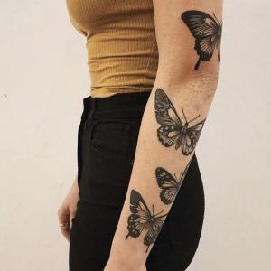 tatuajes para mujeres de mariposas en el brazo