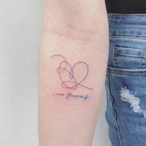 tatuaje minimalista de corazon