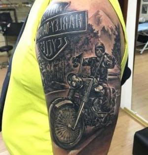 tatuaje de moto harley davison