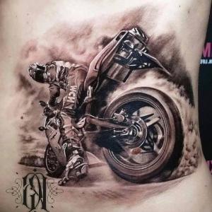 tatuaje para hombre de moto