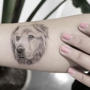tatuaje para mujeres de mascota