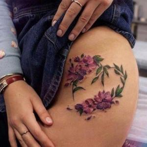 flores color cadera mujer