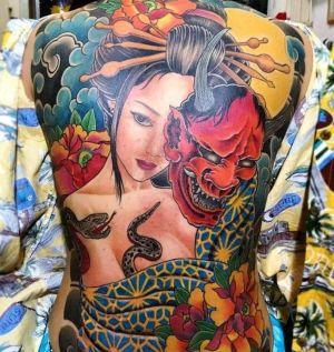 tatu japones espalda mujer