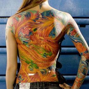 tatuaje dragon japones espalda mujer