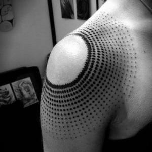 tatuaje para mujer hombro
