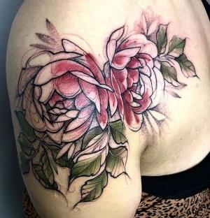 tatuajes lindos en el hombro para mujer