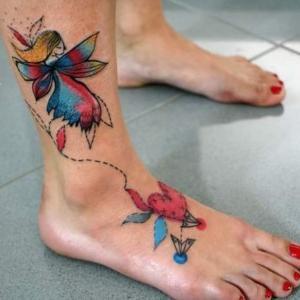 los tatuajes mas bonitos para los pies