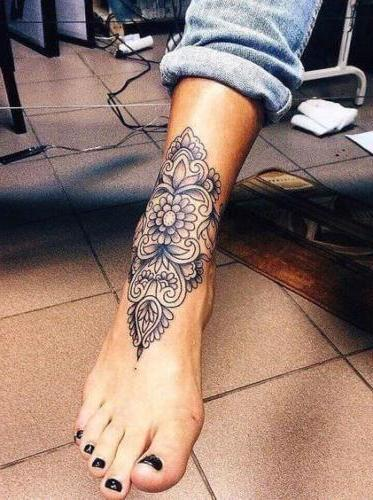 tatuaje para mujer  pie