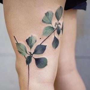 diseños de tattoos en las piernas