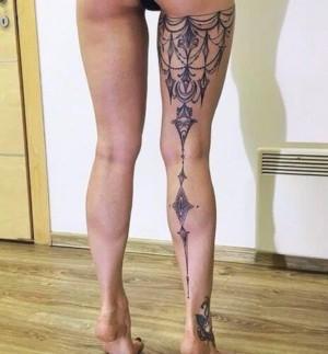 tatuaje por detras pierna