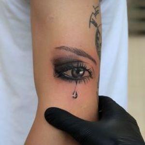 tatuaje de ojos para chicas