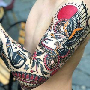 tatuajes en brazo old school