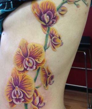 foto de tatuaje de orquideas
