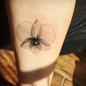 tatuaje de orquidea
