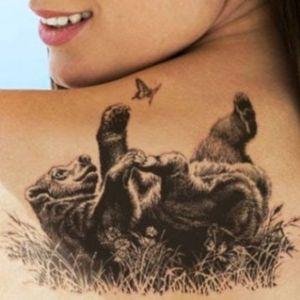 tatuaje de oso para chica