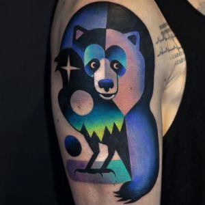 tatuaje de oso psicodelico