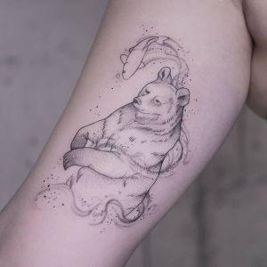 tatuaje oso pescando