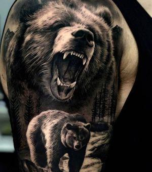 tatuaje realista de oso