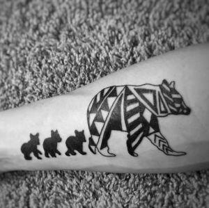 tatuajes de osos en antebrazo