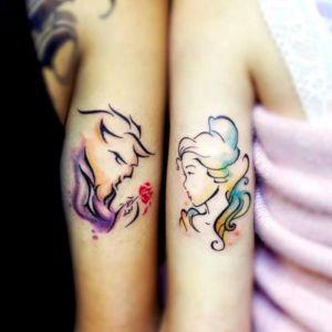 tatuaje de pareja de bella y bestia