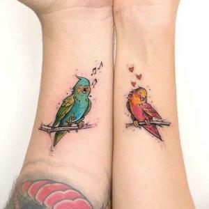 tatuajes para parejas de periquicos