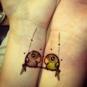 tatuajes para parejas loritos
