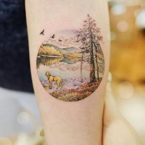 tatuaje detallado y pequeño