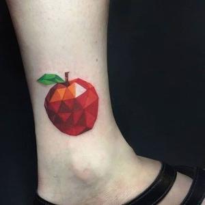 tatuajes pequeño de manzana