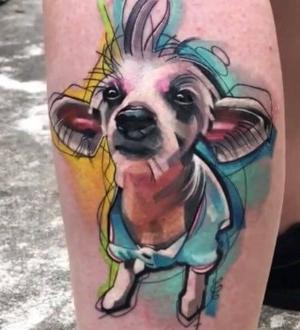 tatuaje de mascota en la pierna