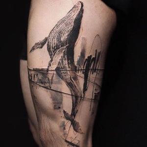 tatuajes de ballenas en la pierna