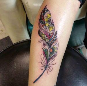 tatuaje original de pluma