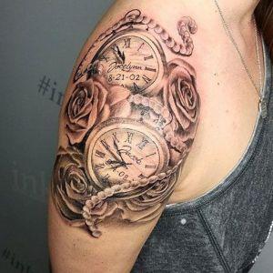 tatuaje de relojes y rosas