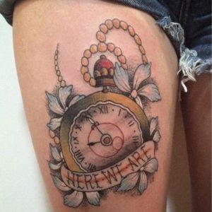 tatuaje para chicas de relojes