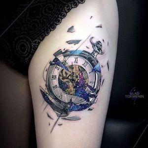 tatuajes a color de relojes
