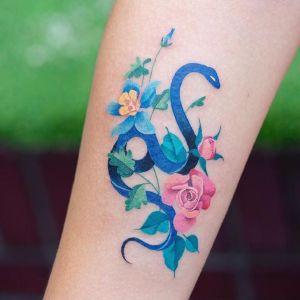 tatuajes finos de serpientes