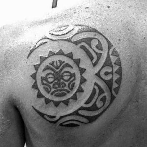 tatuaje sol y luna maori