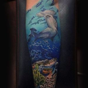 imagen de tatuaje de tiburones