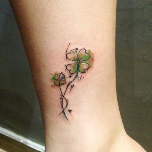 tatuaje de treboles