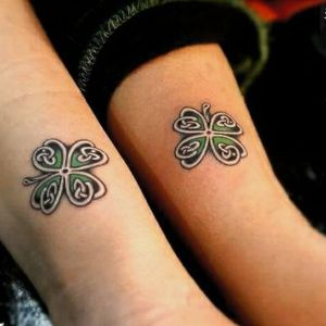 tatuajes de treboles para parejas