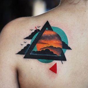 tatuaje de triangulo origianal