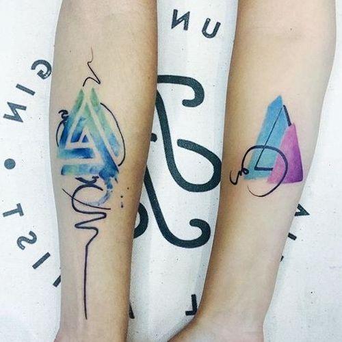 tatuajes de triangulos con significado