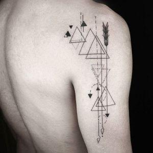 tatuajes geometricos de triangulos